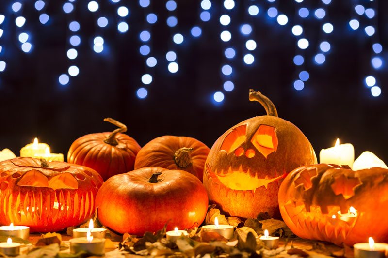 Halloween Safety Tips to Keep Your Kids Safe While Trick-or-Treating