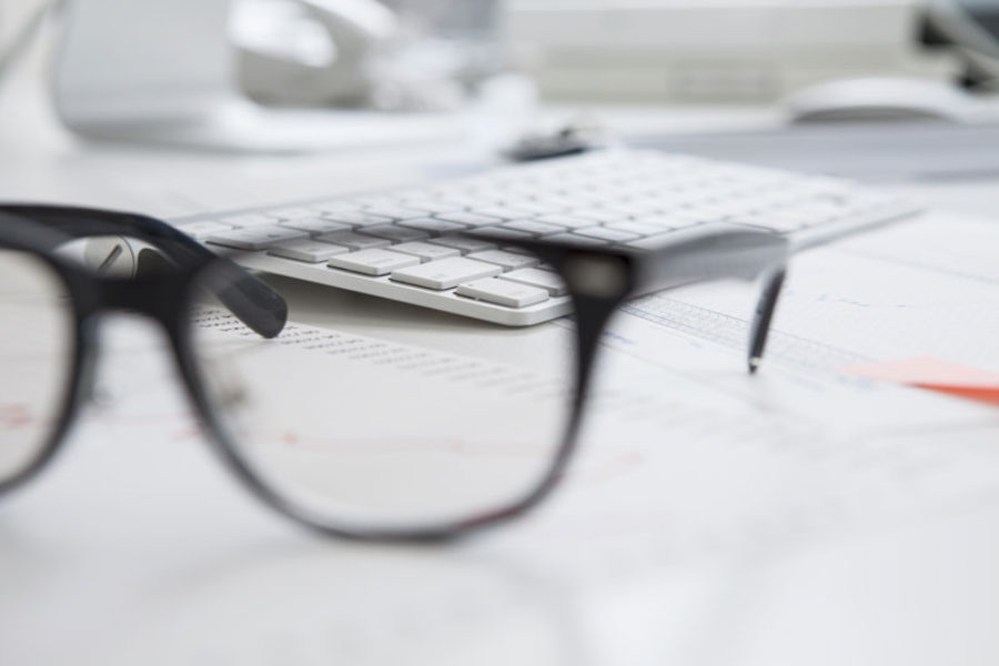 Be Kind to Your Eyes and Learn How to Reduce Eye Strain at the Office