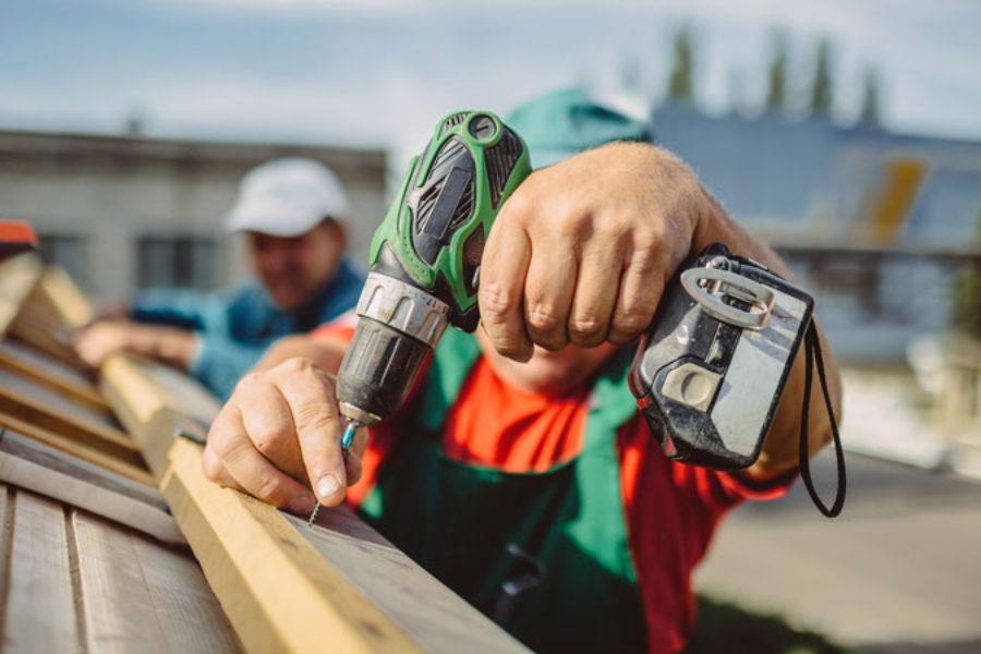 Learn How to Choose the Right Commercial Roofer for the Job