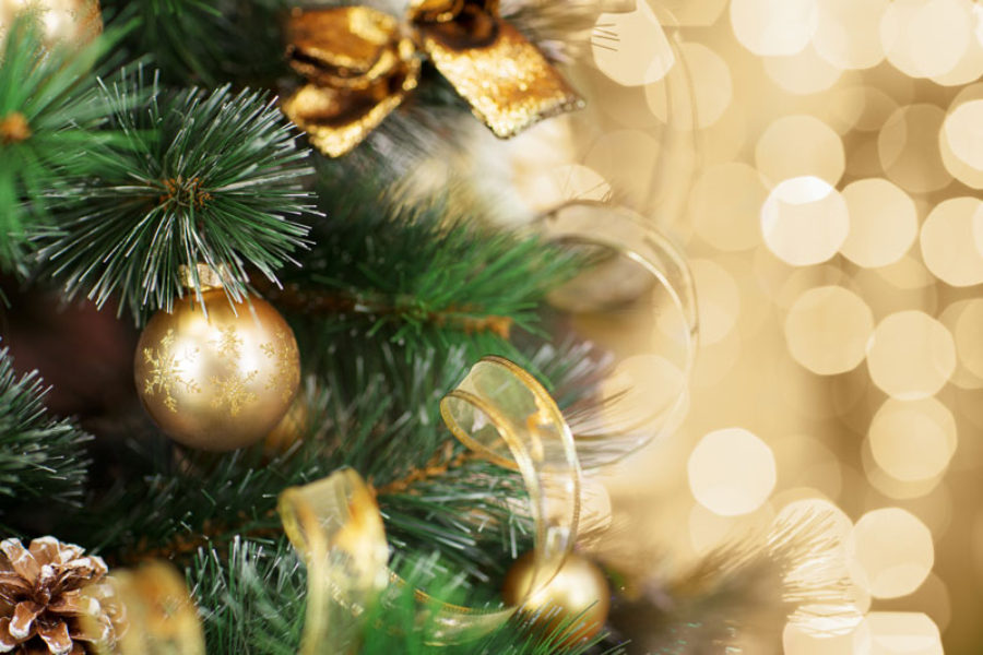 Decorate Your Office for the Holidays Safely With These Decorating Tips